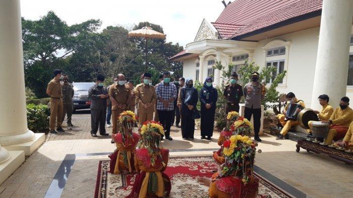 Berkunjung ke Tanjabtim, Gubernur Fachrori Pamit, Romi: Jambi Tak Lepas Campur Tangan Fachrori