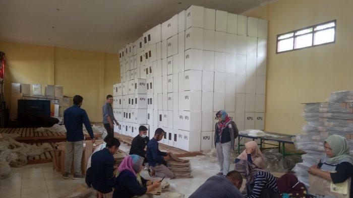 KPU Muarojambi: Sehari Sebelum Pencoblosan, Logistik Siap Disalurkan