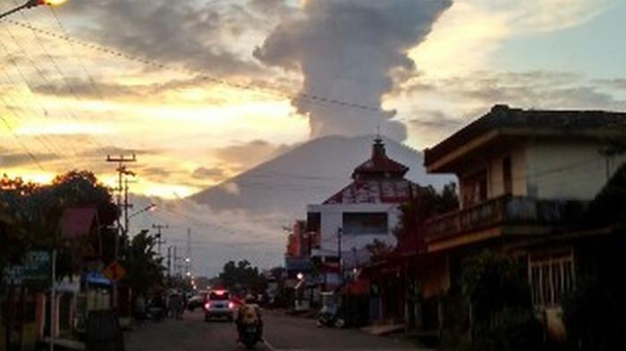 2 Pendaki Asal Jambi Dikabarkan Hilang Terungkap 5 Fakta Hingga Kisah Mistis di Gunung Dempo!