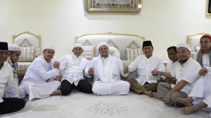 Tiba Pagi Ini di Indonesia, Habib Rizieq Juga Bawa Pulang Ribuan Buku & Kitab Dikemas di 207 Kardus