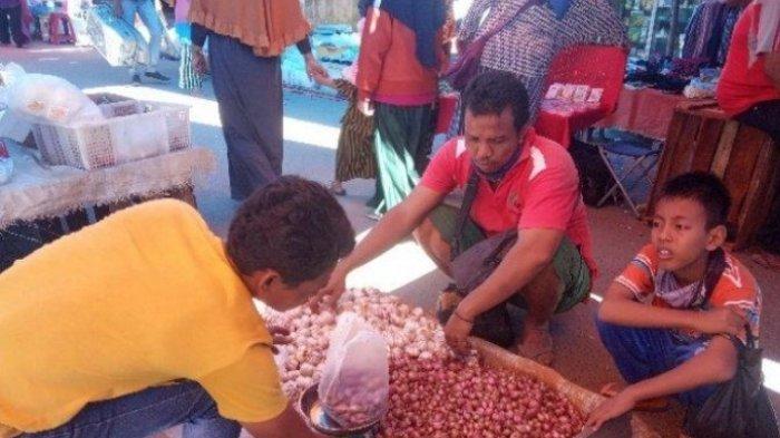 Stok Menipis Permintaan Meningkat, Harga Bawang di Pasar Sengeti Capai Rp 30 Ribu per Kg