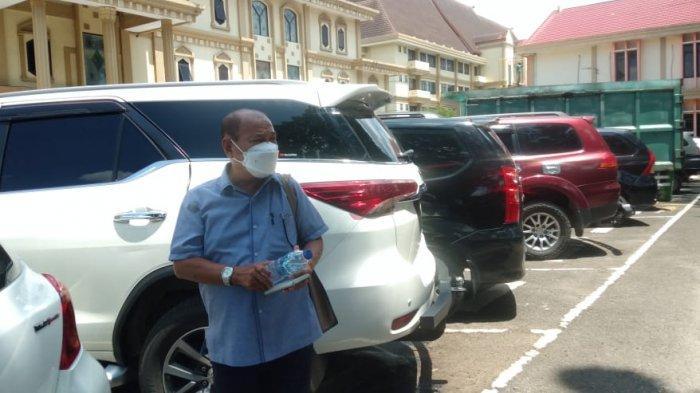 Budi Yako Anggota DPRD Provinsi Jambi 2014-2019 Fraksi Gerindra Tiba di Ruang Pemeriksaan KPK