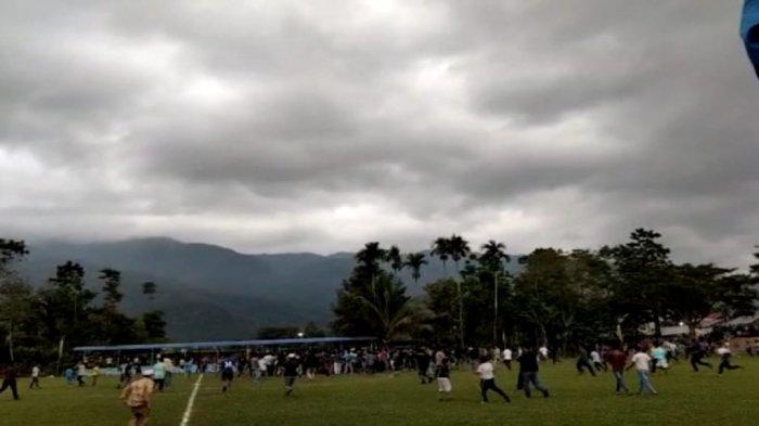 Heboh Pemain Dikeroyok Penonton Saat Final Sepak Bola di Kerinci