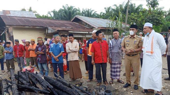 Satu Keluarga Tewas Terbakar, Warung Manisan dan Pertamini di Air Hitam Ludes