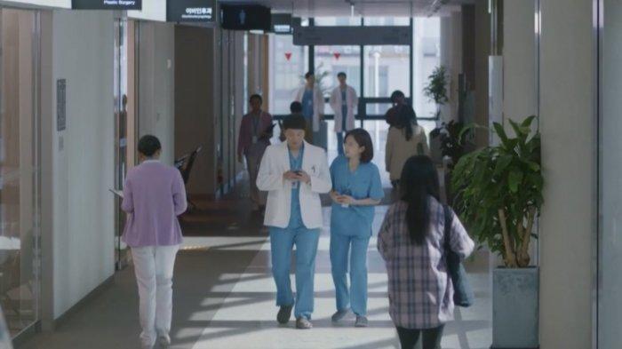 Link Nonton Hospital Playlist 2 Sub Indo Episode 6: Usaha Min Ha Mendekati Seok Hyung