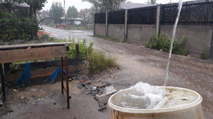 Kuala Tungkal Kembali Dihuyur Hujan, Warga Ucap Syukur Tak Lagi Kekeringan