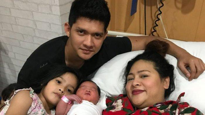 BARU Pacaran Dua Bulan, Terungkap Alasan Iko Uwais Mantap Lamar Audy Item Saat Macet di Jalanan