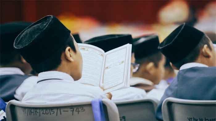 Surat Yasin 1-83 Ayat Bacaan Arab, Latin dan Artinya Sebagai Amalan Pagi Hari