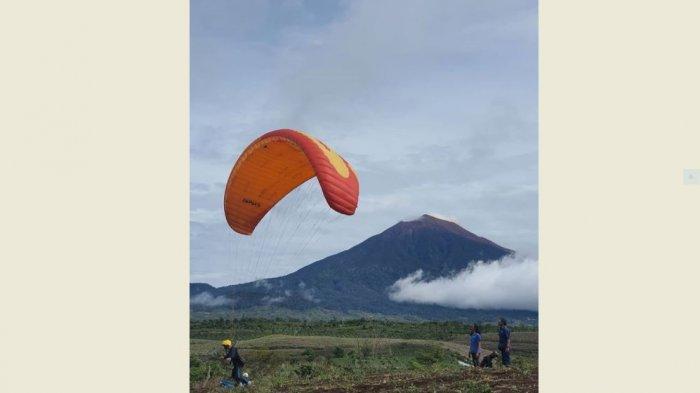 Travel Jambi - Bakal Ada Paralayang di Kerinci, Terbang Lihat Keindahan Bumi Sakti Alam