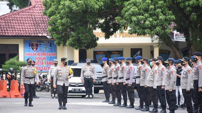 Kapolda Jambi, Irjen Pol A Rachmad Wibowo memimpin Apel Pegeseran Pasukan Personel Polda Jambi dalam rangka Back up Pengamanan TPS Pilkada Serentak