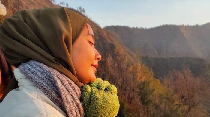 Tips Melakukan Perjalanan dengan Budget Minim, Istika Anggraini Bagi Pengalaman