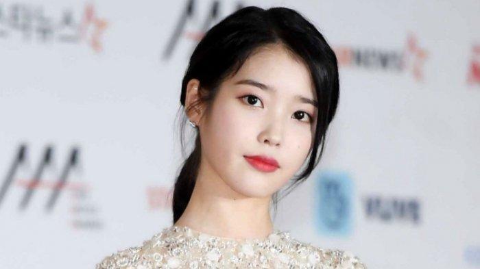 Penyanyi IU atau Lee Ji Eun hari ini 16 Mei 2019 berulang tahun