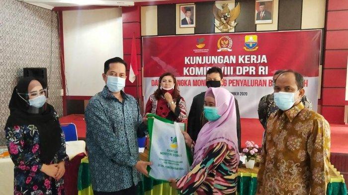 Ihsan Yunus Pimpin Delegasi Komisi VIII DPR RI Monitoring Penyaluran Bansos PKH di Jambi