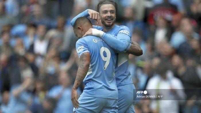 Jack Grealish ketika merayakan gol bersama rekannya di Manchester City