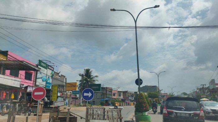 Badan Jalan Ambles di Dekat Jembatan Jalan Pattimura, Penanganan Dilakukan Dinas PUPR Provinsi Jambi