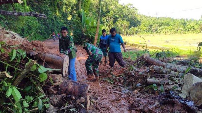 Hujan Deras, Jalan Menuju Batin III Ulu Bungo Terputus Akibat Longsor