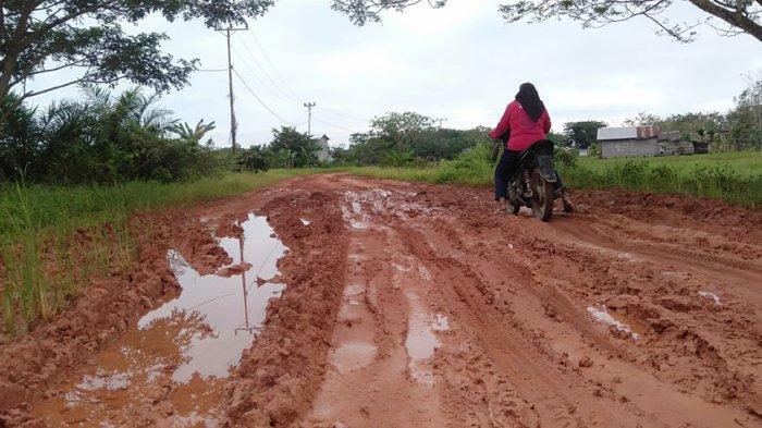 Jalan Rusak Menuju Situs Rangkayo Hitam Segera Diperbaiki, Camat: Pengerasan Atau Jalan Tipe B