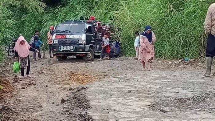 Jika Hujan Susah Dilalui, Jalan Masgo di Kerinci Tidak Kunjung Diperbaiki