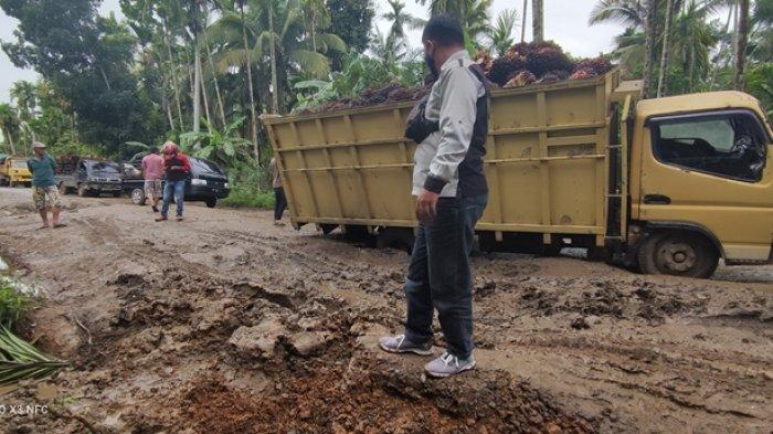 Perbaikan Jalan Muara Sabak-Rasau Sepanjang 2,8 Km Dikerjakan Habis Lebaran