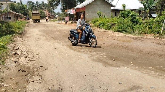 Warga Mengeluh, Jalan Penghubung di Kecamatan Limun Sarolangun Rusak Parah Tak Kunjung Diperbaiki