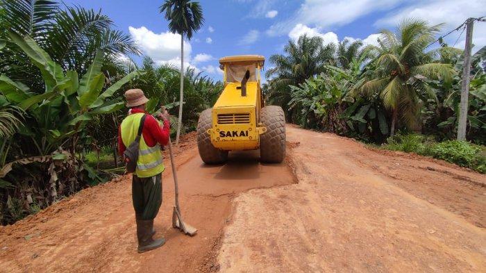 Dua Ruas Jalan Kabupaten Yang Hubungkan Lima Desa di Batanghari Mulai Diperbaiki
