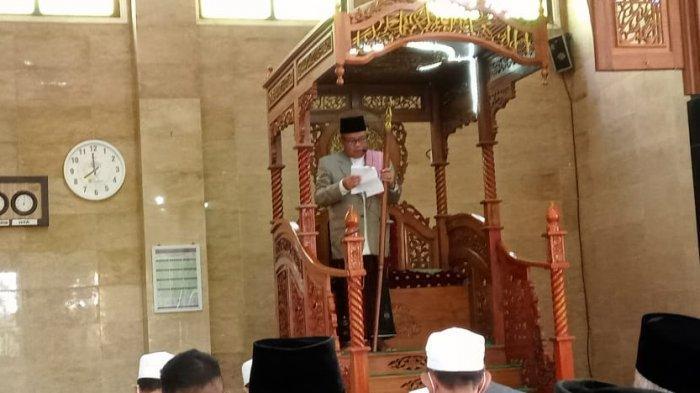Jamaah dari seluruh lapisan masyarakat Sarolangun memadati Masjid Agung As-Sulton