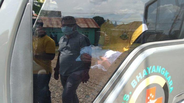 FOTO-FOTO Polisi Evakuasi Janin Hasil Aborsi yang Dipendam di Depan Ruko Kawasan Kasang Kota Jambi