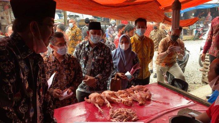 Jelang Ramadan, Bupati dan Unsur Forkompimda Tanjabbar Cek Harga di Pasar Tanggo Rajo