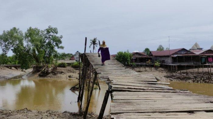 Kondisi 3 Jembatan di Desa Alang Alang Tanjab Timur Memprihatinkan, Padahal Dibutuhkan Warga Pesisir