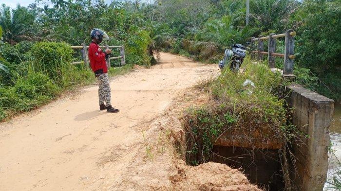 Jembatan Penghubung Suak Putat ke Tanjung Lanjut Terancam Amblas, Warga Keluhkan Belum Ada Perbaikan