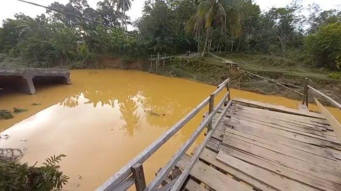 BREAKING NEWS Jembatan di Pelawan Putus Akibat Banjir, Sudah Tiga Kali Dihantam Banjir