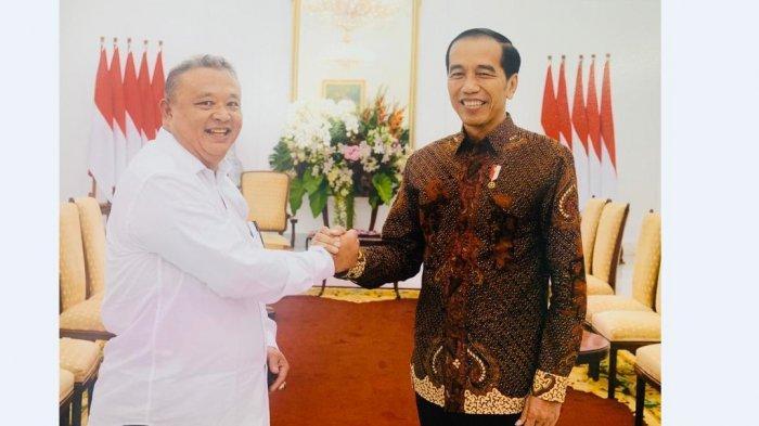 Sifat Asli Jokowi, Kesaksian Hermawi Taslim di Istana Bogor, Jokowi: Sini Saya Ambilkan