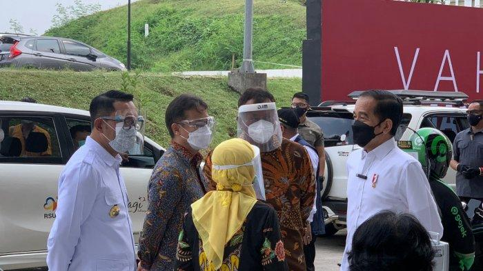 Presiden Joko Widodo Tinjau Sentra Vaksinasi Indonesia Bangkit di Depok