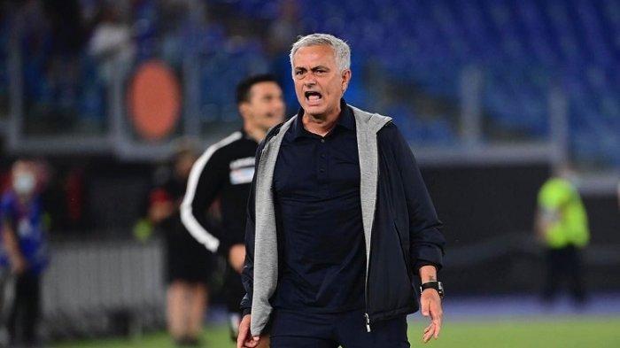 Jose Mourinho Sebut Diri Lebih dari Pelatih di Roma, Kenang Masa Emas di Inter Milan