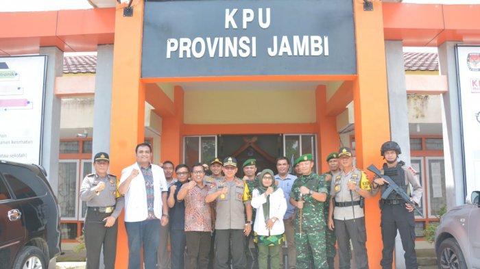 Kapolda Jambi dan Danrem 042/Gapu Tinjau PPK, Kantor KPU Kota Jambi dan Provinsi Jambi