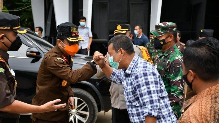Kepala Kejaksaan Tinggi Jambi Dr Johanis Tanak, melakukan kunjungan kerja ke Kabupaten Tanjab Timur Jumat (18/12/2020), disambut Bupati Tanjab Timur Romi Hariyanto  dan forkompimda