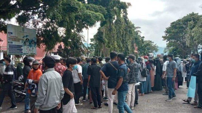 Terkait Hasil Pilkades Serentak, Kantor Bupati Kerinci Didemo Warga Desa Pentagen