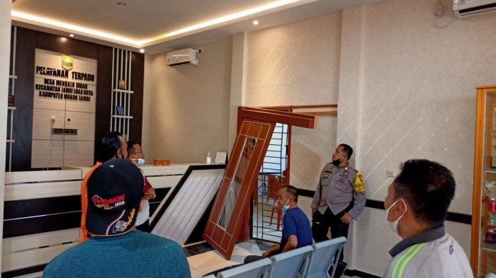 Kantor Desa Mendalo Indah Dibobol Maling, Laptop dan Peralatan Kantor Raib, Kerugian Puluhan Juta