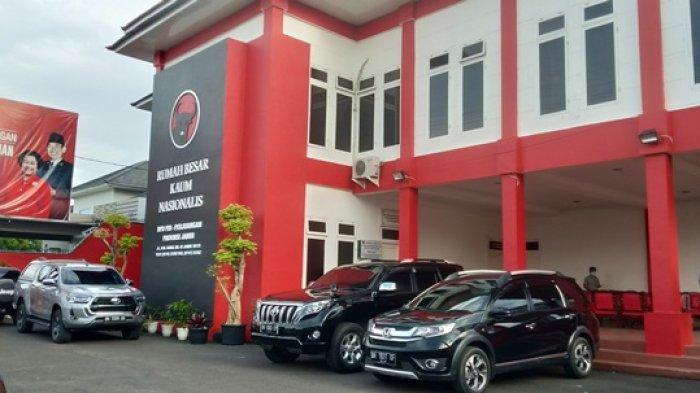 Hasil Putusan MK Untuk Pilgub Jambi Terpantau Ratu Munawaroh di DPD PDI P Jambi Begini Kondisinya