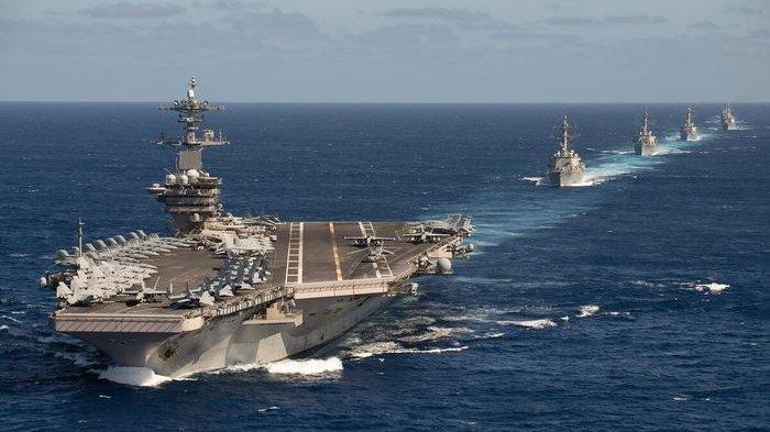 Kapal Induk US Navy bersama grup tempur saat memasuki Laut China Selatan.