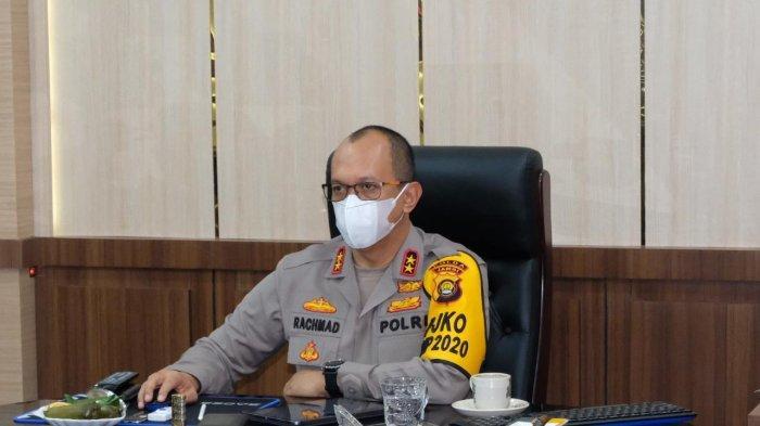 Kapolda Jambi Irjen Pol A Rachmad Wibowo mengikuti Rakor Penanganan Darurat Bencana Asap Akibat Karhutla Tahun 2021 via Zoom Meeting diruang Kerja Kapolda, Senin (08/03/21).