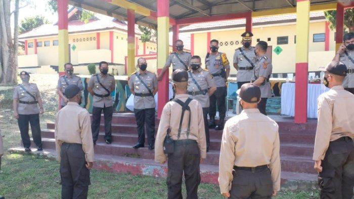 Kapolda Jambi Irjen Pol A Rachmad Wibowo, Sik melakukan tatap muka, berdialog bersama Siswa Bintara Diktukba Polri TA 2021 perwakilan dari Suku Anak Dalam (SAD), Papua dan Jambi di SPN Polda Jambi, Senin (26/7/21).