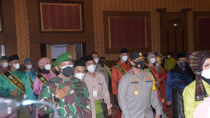 Kapolda Hadiri Rapurna Istimewa DPRD Kota Dalam Rangka Peringati Hari Jadi ke-75 Kota Jambi
