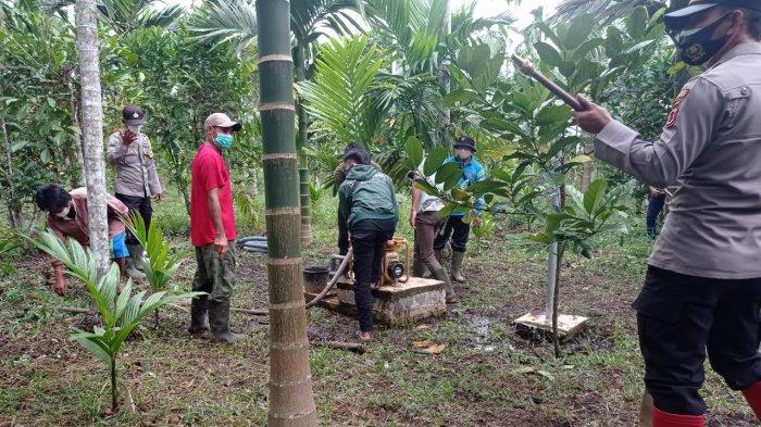 Kapolda Jambi Irjen Pol A Rachmad Wibowo meninjau operasionalisasi sumur bor Badan Restorasi Gambut (BRG) dan cadangan embung air Muntialo dalam rangka persiapan penanggulangan Karhutla 2021