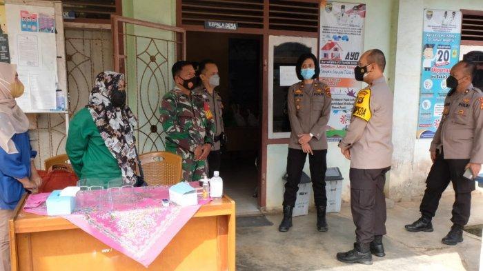 Kapolda Jambi Tinjau PPKM dan Penerapan Protokol Kesehatan di Desa Pondok Meja