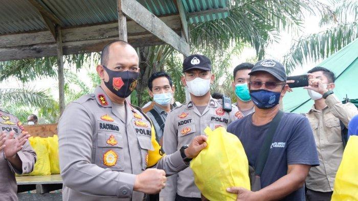Kapolda Jambi Tinjau Posko Membumi Sigap Karhutla di Desa Muntialo Kabupaten Tanjabbar