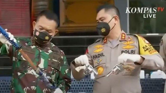 Ini Penampakan Senjata Milik 6 Orang yang Diduga Pengikut Rizieq yang Serang Polisi, Ada Samurai