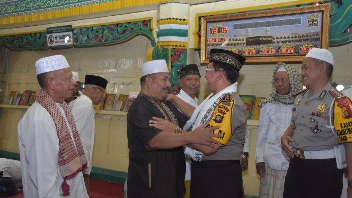 Shalat Jumat di Masjid Pondok Tinggi, Kapolda Jambi Irjen Muchlis Imbau Jaga Ketertiban Saat Pemilu