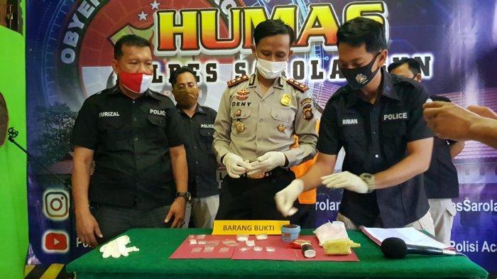 Kades Pelawan Jaya Temukan Narkoba Milik Warganya Tersimpan di Kotak Minyak Rambut