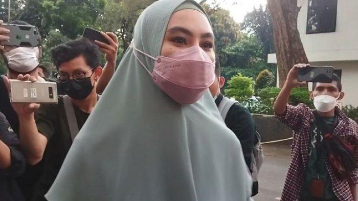 Emosi Kartika Putri Lantaran Dipermainkan Richard Lee Imbas Tak Datang Polda Metro Jaya: Kecewa Saya